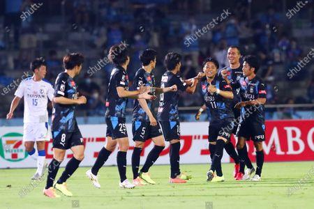 (L-R)  Kawasaki Frontale team group,  Yu Kobayashi,  Leandro Damiao,  Ryota Oshima (Frontale) - Football / Soccer : 2020 J1 League match between  Kawasaki Frontale 2-0 Oita Trinita  at Kawasaki Todoroki Stadium, Kanagawa, Japan.