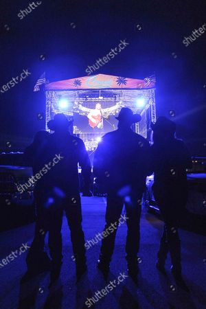Fans enjoy Rodney Atkins performance at Concerts in Your Car at the Ventura County Fairgrounds, in Ventura, Calif