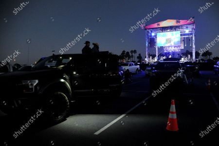 Fans enjoy Ross Ellis performance at Concerts in Your Car at the Ventura County Fairgrounds, in Ventura, Calif