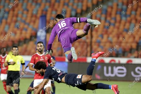 Al-Ahly goal keeper Mohamed El Shenawy in action during the Egyptian Premier League soccer match between Al-Ahly and Enppi, in Cairo, Egypt, 09 August 2020.