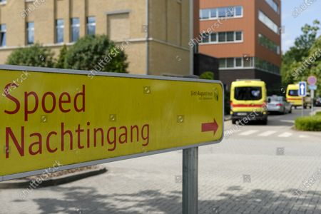 Illustration picture shows a sign to the Spoed Emergency and Accidents entrance (urgences), at the Sint-Augustinus hospital, in Wilrijk, datetext.
