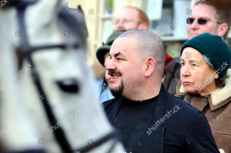 TV Chef Mat Follas at the Boxing Day hunt meet of the Cattistock Hunt