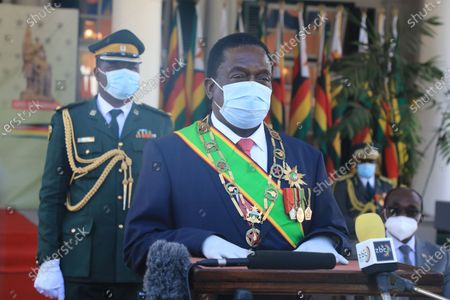Zimbabwean President Emmerson Mnangagwa (front) gives a speech at the Heroes' Day Commemoration in Harare, Zimbabwe, on Aug. 10, 2020. Zimbabweans celebrated the 40th anniversary of Heroes' Day on Monday amid the COVID-19 pandemic that is ravaging the nation.