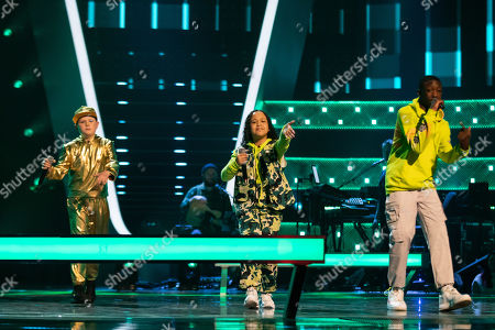 Battles: Team Will: Ray-Tee, Thalia and Amos perform.