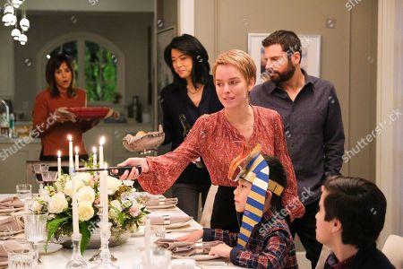 Stephanie Szostak as Delilah Dixon, Grace Park as Katherine Saville, Allison Miller as Maggie Bloom, James Roday as Gary Mendez and Tristan Byon as Theo Saville,