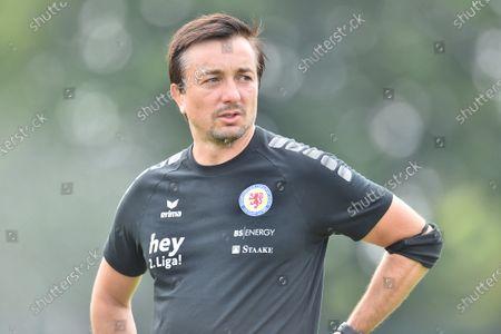 Trainer Danny Meyer (Braunschweig).