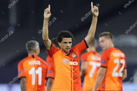 Taison of Shakhtar celebrates after scoring the 2-0 lead during the UEFA Europa League quarter final match between Shakhtar Donetsk and FC Basel in Gelsenkirchen, Germany, 11 August 2020.