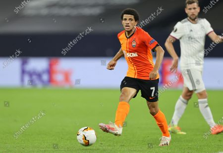 Taison of Shakhtar (L) in action during the UEFA Europa League quarter final match between Shakhtar Donetsk and FC Basel in Gelsenkirchen, Germany, 11 August 2020.