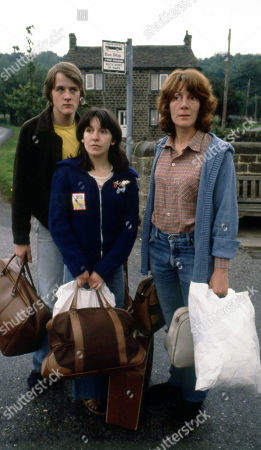 Emmerdale Farm - Ep 599 Tuesday 9th September 1980  Jackie Merrick returns to Beckindale for good with his mother Pat and sister Sandie. With Jackie Merrick, as played by Ian Sharrock; Sandie Merrick, as played by Jane Hutcheson; Pat Merrick, as played by Helen Weir.