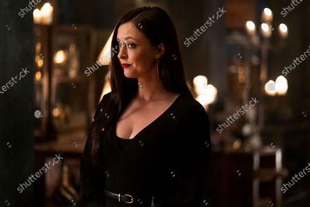 Katharine Isabelle as Vera Stone