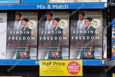 Editorial image of Finding Freedom, Biography of Prince Harry and Meghan Markle on sale, London, UK - 13 Aug 2020