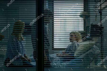 Laura Linney as Wendy Byrde, Jason Bateman as Martin 'Marty' Byrde and Julia Garner as Ruth Langmore