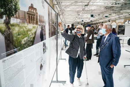Former German President and patron of the Exilmuseum Joachim Gauck (R) wears a face mask as he talks to architect Jorunn Ragnarsdottir of the jury (L) prior to a press conference on the  architectural competition for the realization of a new Exilmuseum building in Berlin, Germany, 14 August 2020. The winning architectural draft for the new Exilmuseum comes from Dorte Mandrup office from Copenhagen.