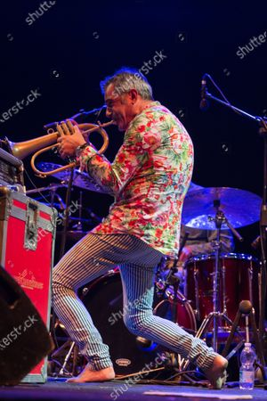 The Italian jazz trumpet player performed on 27/6/2018 at the 5th edition of IFEST 2018-Indipendent review of music and poetry, in the park of Ponte Nomentano in Rome. With him on stage Bebo Ferra on acoustic guitar, Paolino Dalla Porta on double bass and Stefano Bagnoli on drums Paolo Fresu