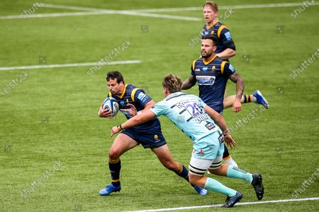 Francois Venter of Worcester Warriors takes on Jack Clement of Gloucester Rugby