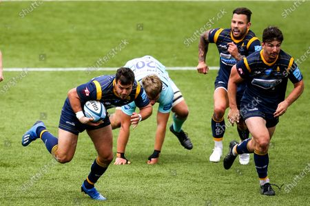 Stock Picture of Francois Venter of Worcester Warriors goes past Jack Clement of Gloucester Rugby
