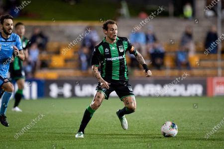 Western United midfielder Alessandro Diamanti (23) controls the ball