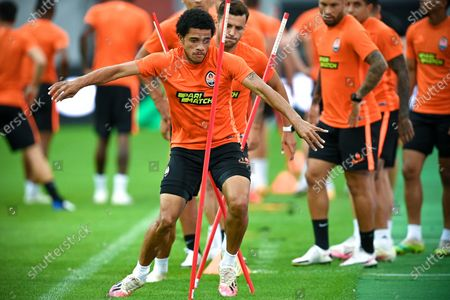 Shakhtar's Taison (front) attends a training session in Duesseldorf, Germany, 16 August 2020. Shakhtar is facing Inter in an UEFA Europa League semi final soccer match on 17 August.