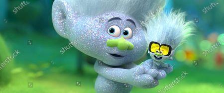 Stock Image of Guy Diamond (Kunal Nayyar) and Tiny Diamond (Kenan Thompson)