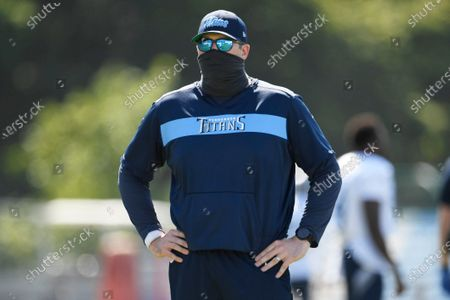 Tennessee Titans offensive coordinator Arthur Smith watches during NFL football training camp, in Nashville, Tenn