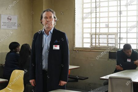 Timothy Hutton as Leon Bechley