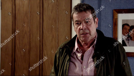 Coronation Street - Ep 10105 Monday 24th August 2020 Johnny Connor, as played by Richard Hawley, returns unexpectedly from France.