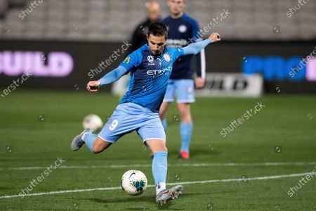 Melbourne City forward Jamie Maclaren (9) warming up