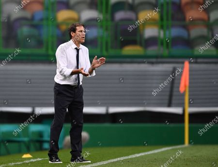 Olympique Lyon's head coach Rudi Garcia reacts during the  UEFA Champions League semi final match between Olympique Lyon and Bayern Munich in Lisbon, Portugal, 19 August 2020.