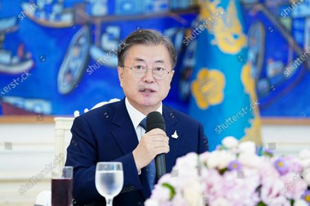 South Korean President Moon Jae-in speaks during a meeting with Catholic Church leaders, including Cardinal Andrew Yeom Soo-jung, over a luncheon at the presidential office in Seoul, South Korea, 20 August 2020.