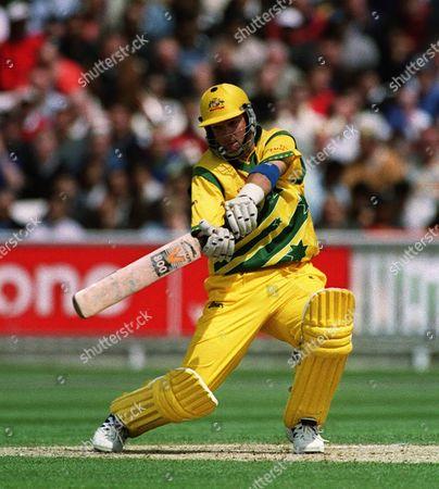 Cricket World Cup 1999  Australia V India The Oval 4/6/99  Australia Won By 77 Runs /daily Mail Australia's Mark Waugh On His Way To 50