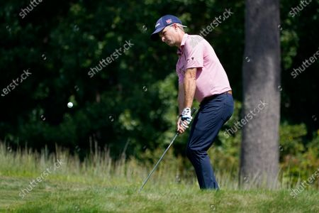 Stock Image of Kevin Streelman chips onto the 14th green during the second round of the Northern Trust golf tournament at TPC Boston, in Norton, Mass