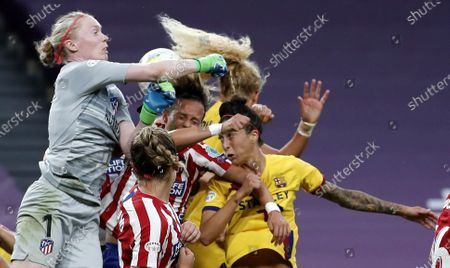 Goalkeeper Hedvig Lindahl (L) of Atletico in action during the UEFA Women Champions League quarter final match between Atletico Madrid and Barcelona in Bilbao, Spain, 21 August 2020.