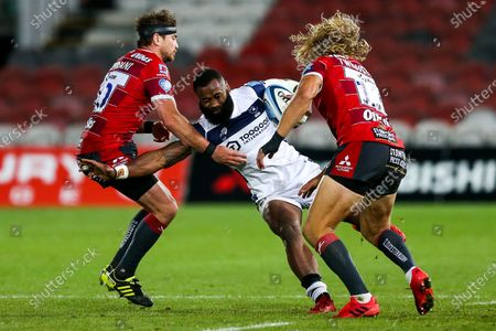 Semi Radradra of Bristol Bears is tackled by Danny Cipriani of Gloucester Rugby