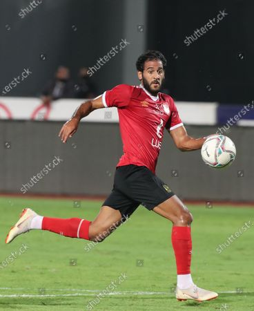 Al Ahly's Marwan Mohsen (L) in action  during the Egyptian Premier League soccer match between Zamalek SC and Al Ahly SC in Cairo, Egypt, 22 August 2020.