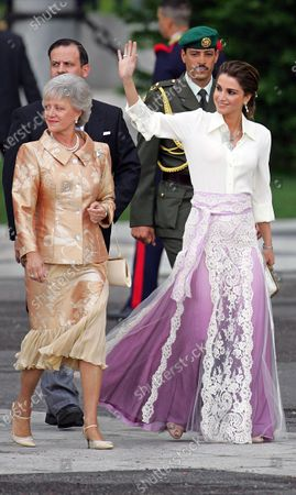 Her Majesty Queen Rania with Princess Muna at the royal wedding of HRH Spanish Crown Prince Felipe and Letizia Ortiz