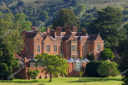 Chequers is a mid 16th century brick manor house sitting amongst the Chiltern Hills in Buckinghamshire. In 1921, the estate was gifted to the nation by the then owner, Sir Arthur Lee, an heirless government minister, for the use of serving British Prime Ministers.