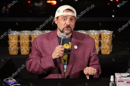 """Kevin Smith participates in the """"Hollywood Babble-On"""" podcast at the Vineland drive-in, in Industry, Calif"""