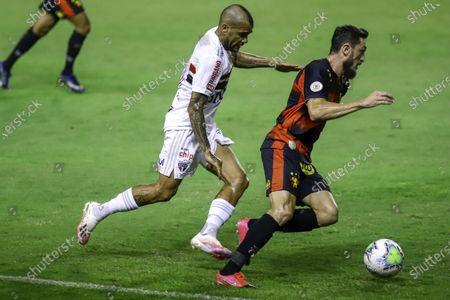 Sander of Sport Recife challenged by Daniel Alves of Sao Paulo; Estadio Ilha do Retiro, Recife, Pernambuco, Brazil; Brazilian Serie A