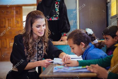 Queen Rania during a visit to a school in Mafraq - 18th April 2016