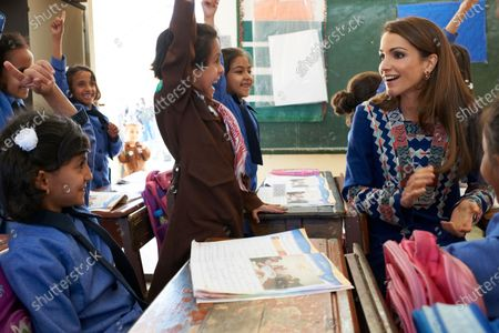 Queen Rania visits Al hudaibieh and Abu Milh Primary School, Amman - 3rd October 2011