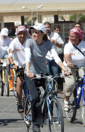 Queen Rania participates in the Follow the Women Bike Ride for Peace - 21st September 2005