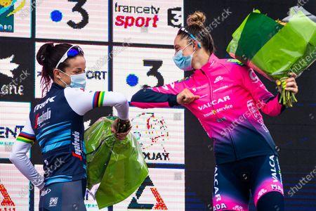 Lizzie Deignan of Trek Segafredo (left) and Chiara Consonni of Valcar-Travel & Service (right) congratulate each other on the podium.