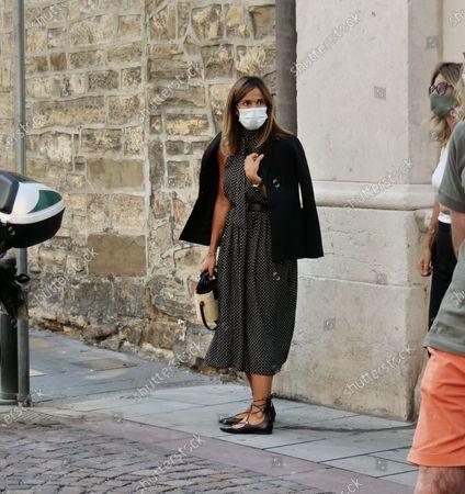 Cristina Parodi wife of Giorgio Gori accompanies at his father in law funeral.