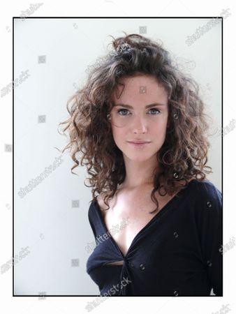 Actress Amy Manson