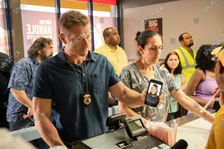 James Badge Dale as Detective Ray Abruzzo and Fortuna Gebresellassie as Female Clerk