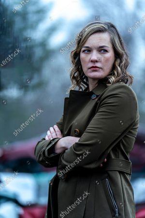 Stock Photo of Virginia Kull as Linda McQueen