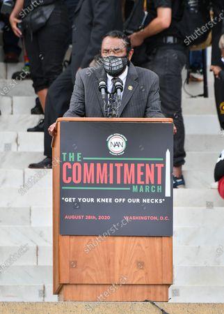 Congressman Al Green speaks at the Lincoln Memorial