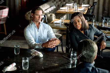 Josh Holloway as Roarke Morris and Karen Pittman as Willa Hayes