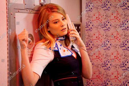 Kim Matula as Ronnie