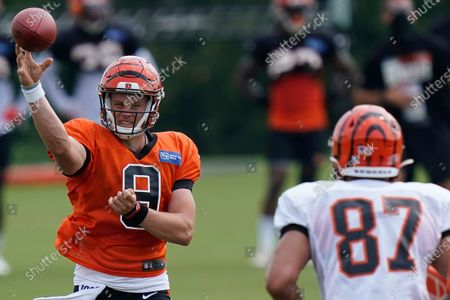 Cincinnati Bengals quarterback Joe Burrow (9) throws a pass during NFL football training camp in Cincinnati. Teams that could struggle mightily after an offseason of constant upheaval are the Giants, Panthers, Browns, Raiders, Jaguars and Lions - all non-playoff clubs a year ago. Do not expect an easy transition for top draft pick Burrow, either. A young quarterback going to a tailender is difficult enough under normal circumstances